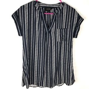 Sweet Wanderer Maternity blue/white striped shirt